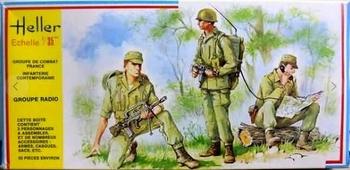 HE00138  Fransen Infanterie Radio Groep  1:35 kit