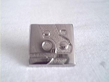 3319  Volkswagen Museum Logo (Pin)