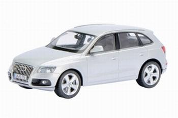 07562  Audi Q5 (2012), eissilber-metallic  1:43