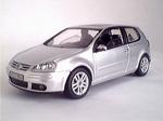 819901121  Volkswagen Golf (zilver) 1:43