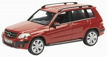 07246  Mercedes Benz GLK Offroad (rood)