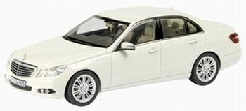 "07326  Mercedes Benz E-Klasse Limousine "" Elegance """