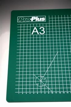 780877  Snijmat A3 (30 X 45 cm)