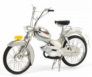 10037  Tomos 3L (zilver)