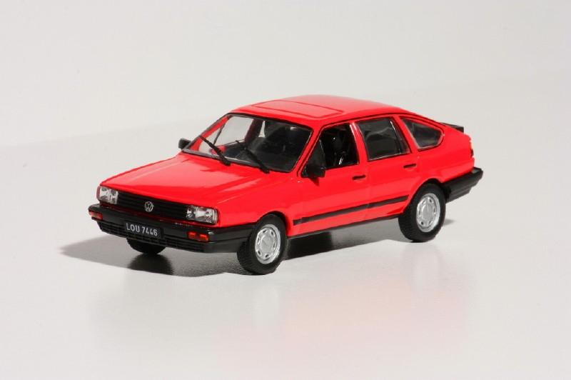 1372  Volkswagen  Passat B2 1987