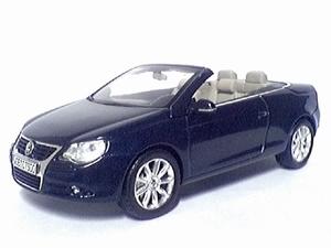 819901115  Volkswagen EOS (donkerblauw )