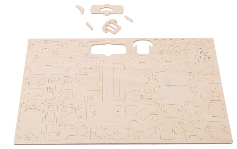 999051  Poppenhuis meubeltjes