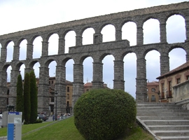 AE1253  Segovia's aqueduct