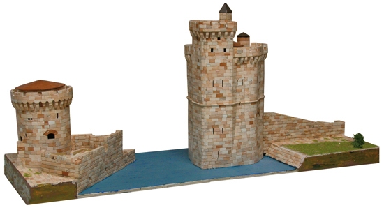 AE1267  La Rochelle harbour Towers