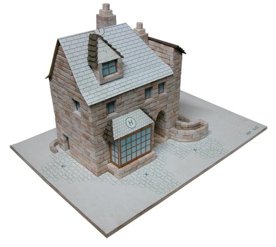 AE1413  English house