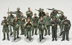 T32530  WWII Figure-Set Ger.Inf.Maneuv
